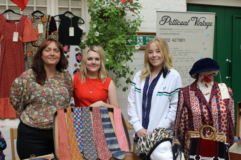 The beautiful ladies from Petticoat Vintage