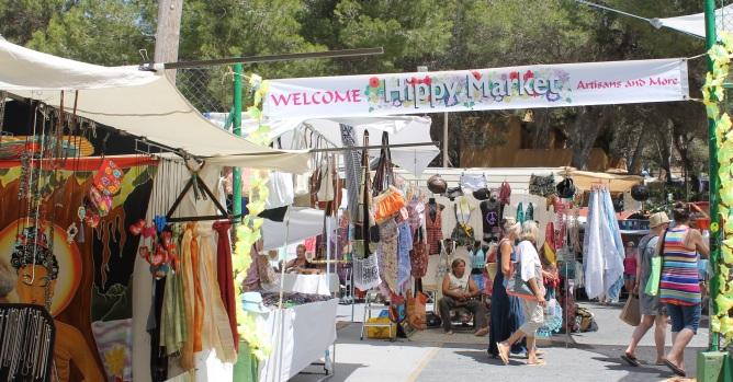 Punta Arabí Hippy Market in Es Caná